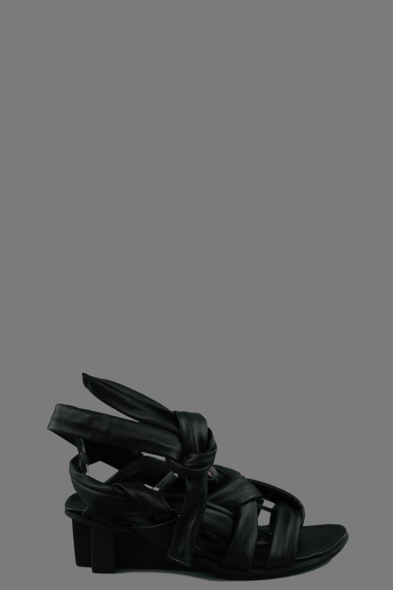 Bungee Sandal